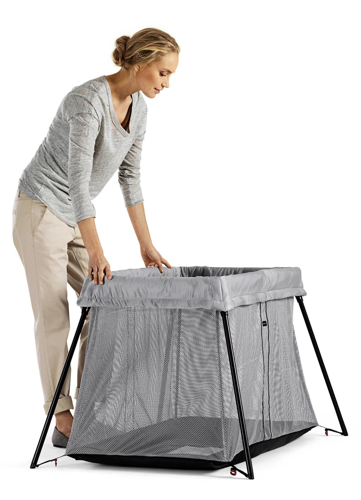 baby bjorn travel cot review